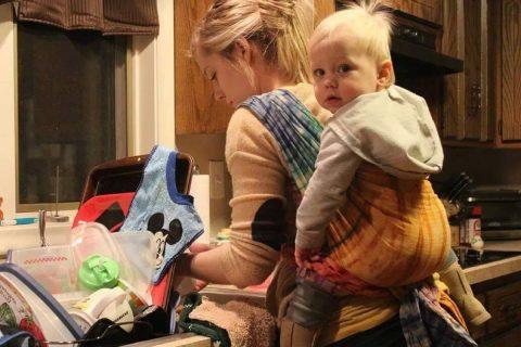 Sigurno nošenje djeteta u svakodnevnim situacijama